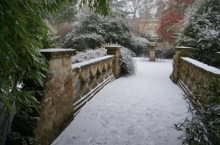 victoria-park-snowy-day small